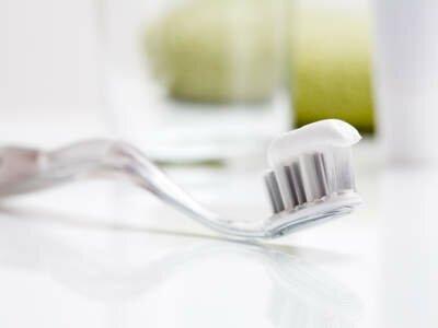 Системы и материалы эстетической реставрации зубов